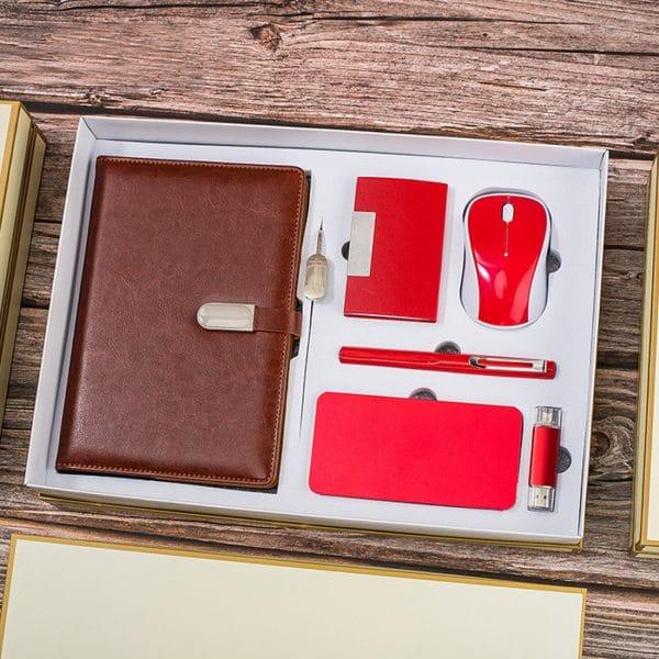 ชุดของขวัญในกล่องพรีเมี่ยม พร้อมสกรีน